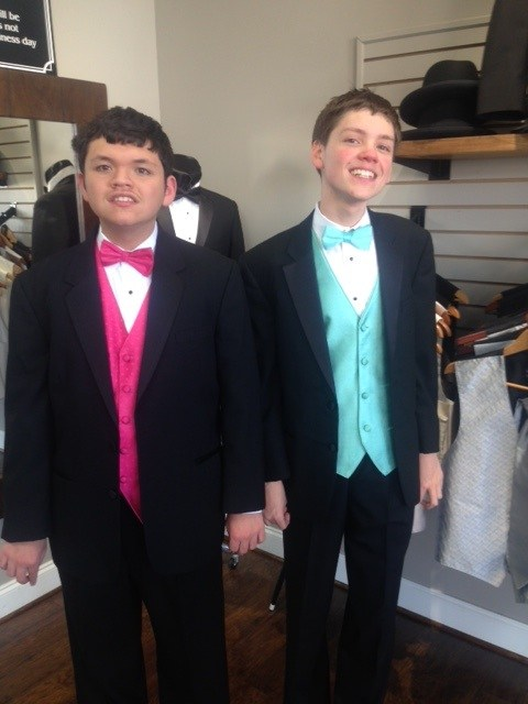 Teens prepare for special needs prom \